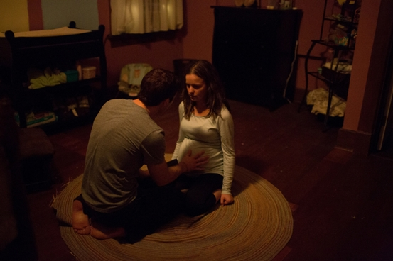 DD-068  Zach (Zach Gilford) tries to understand the bizarre and frightening behavior of his wife Sam (Allison Miller) during her pregnancy.